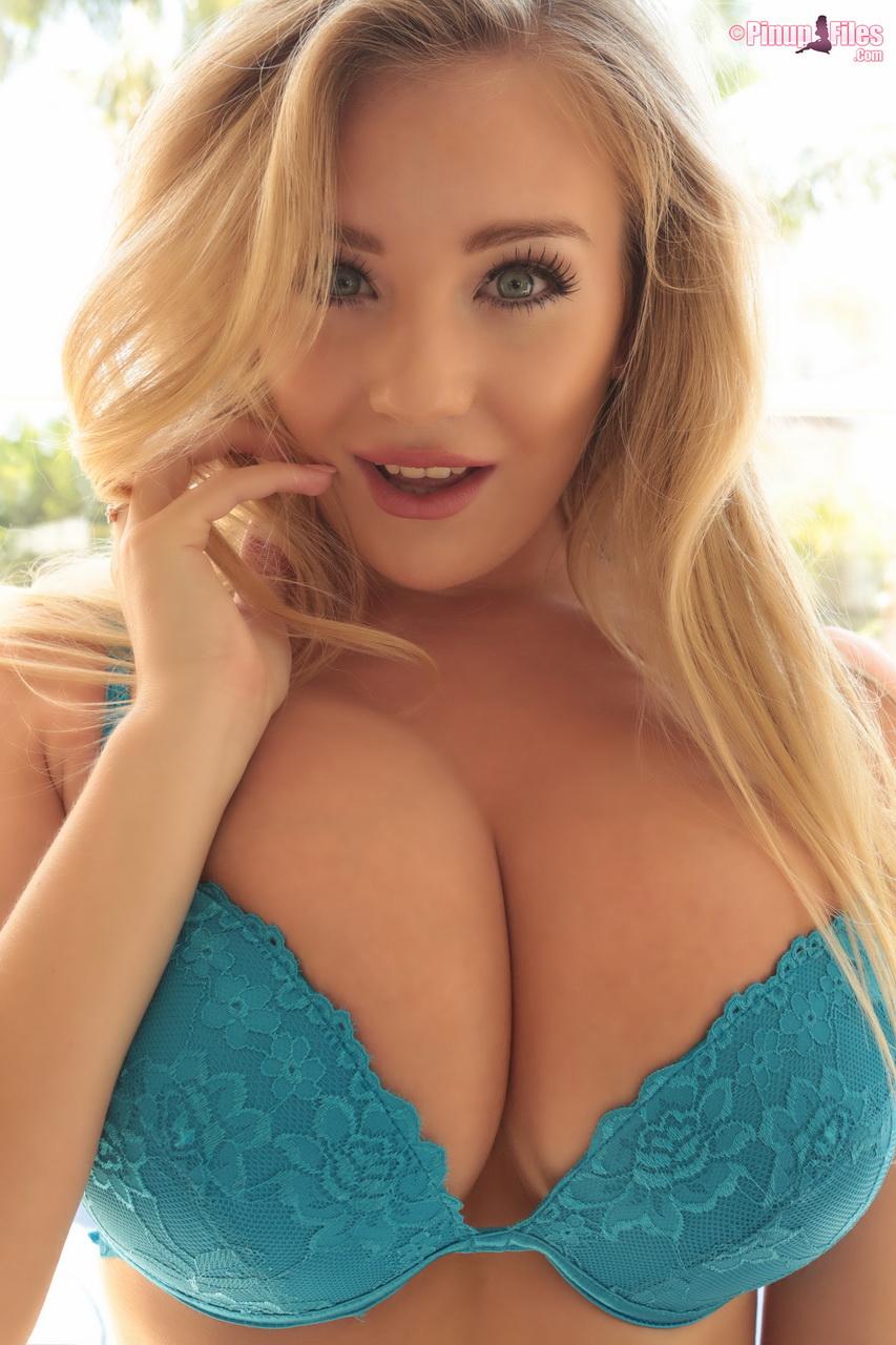posing in blue lingerie - bigboobsbeauties