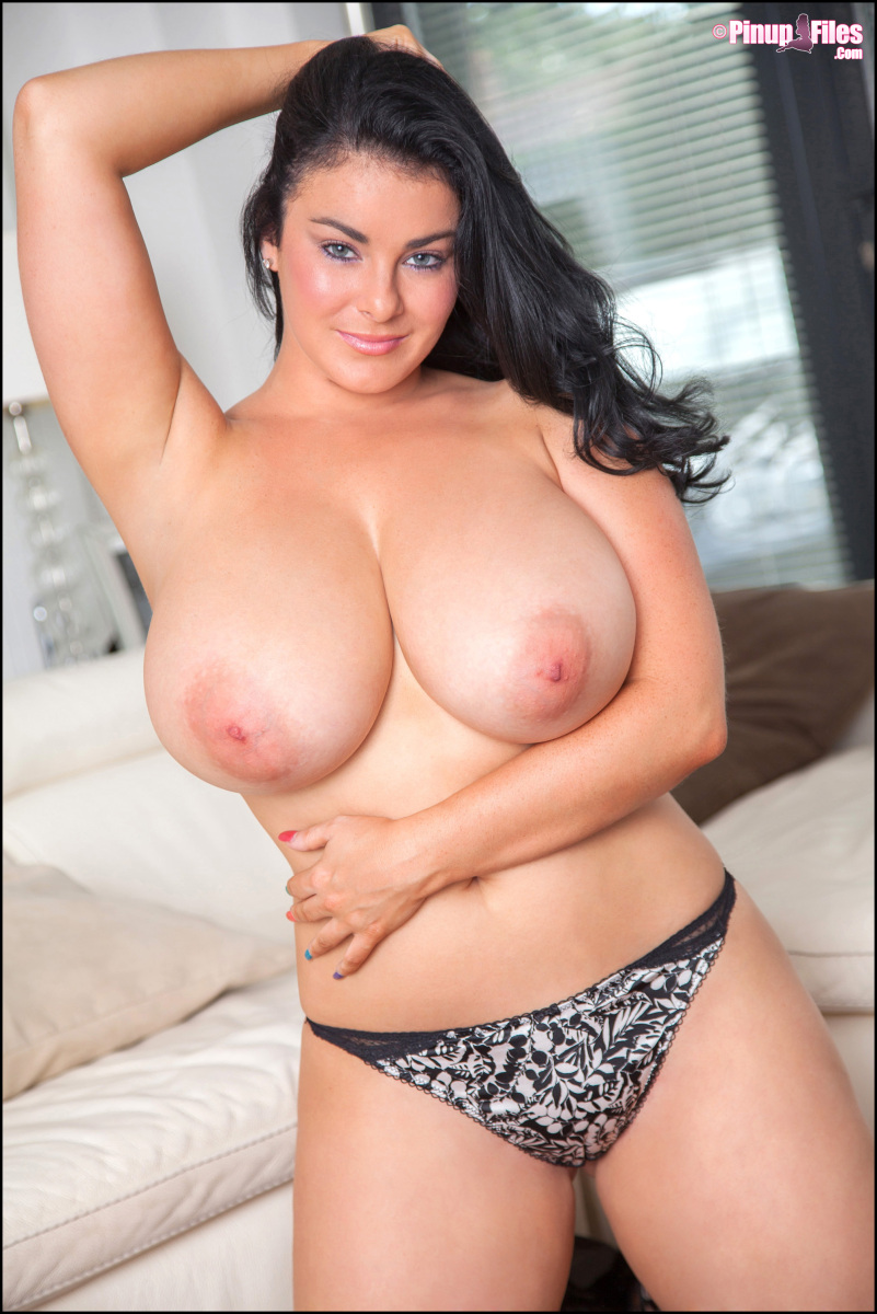 Beautiful Big Boobs Hd - Massive Tits On a Beauty - BigBoobsBeauties.com