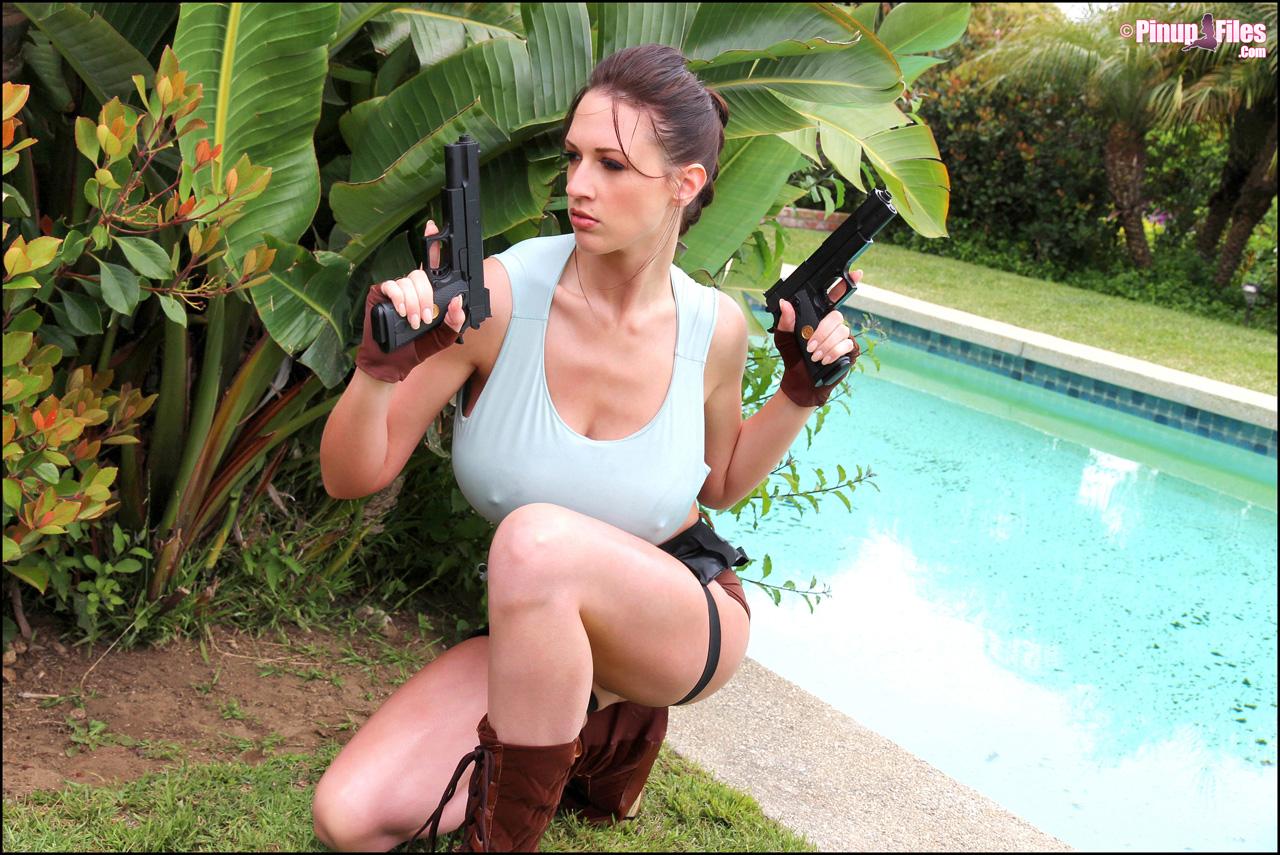 Babe Lara Porn Star big tits lara croft posing - bigboobsbeauties